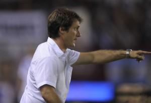 Guillermo conduce a Lanús, el mejor equipo del torneo (Foto: Télam)
